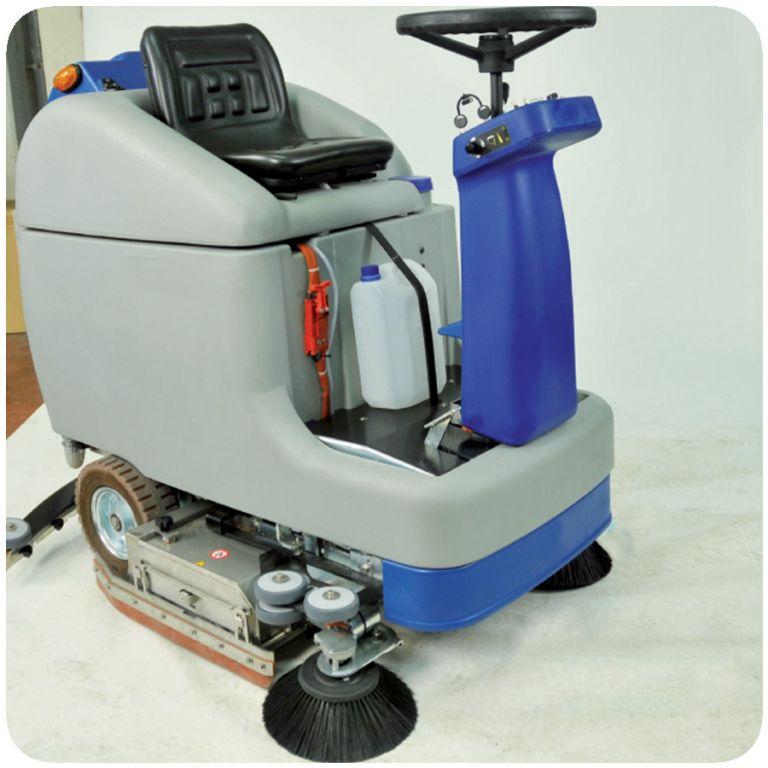 masina de curatat si uscat pardoseli SMILE 70 – 75 – 80 2
