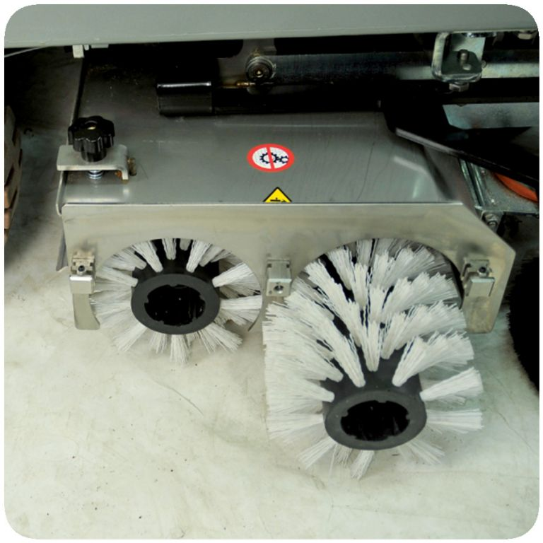 masina de curatat si uscat pardoseli SMILE 70 - 75 - 80 3